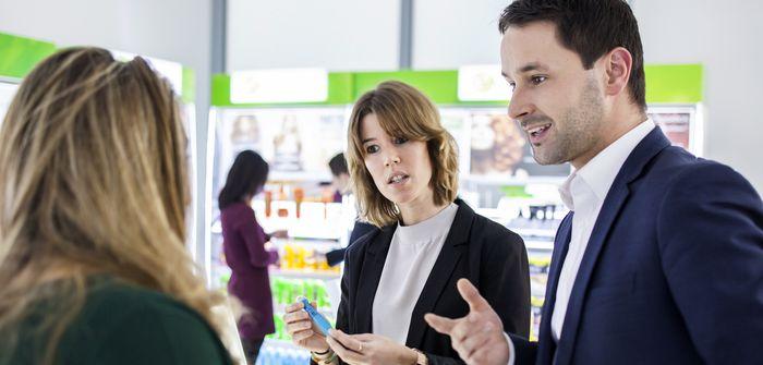 Как наладить контакт с клиентом, за что его зацепить и сделать постоянным клиентом.