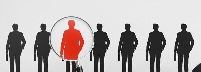 Найти первых клиентов и заработать 1 000 рублей в тренинговом бизнесе.